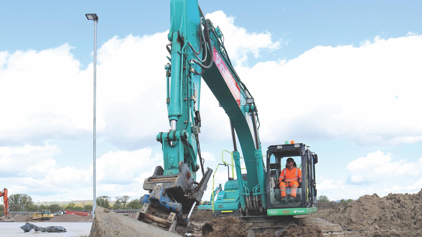 Leica machine control on a Kobelco excavator with SMP tiltrotator